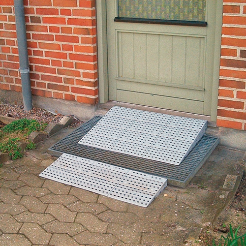 Several Stepless Excellent ramp kits are available, to cope with height differences of up to 150 mm.