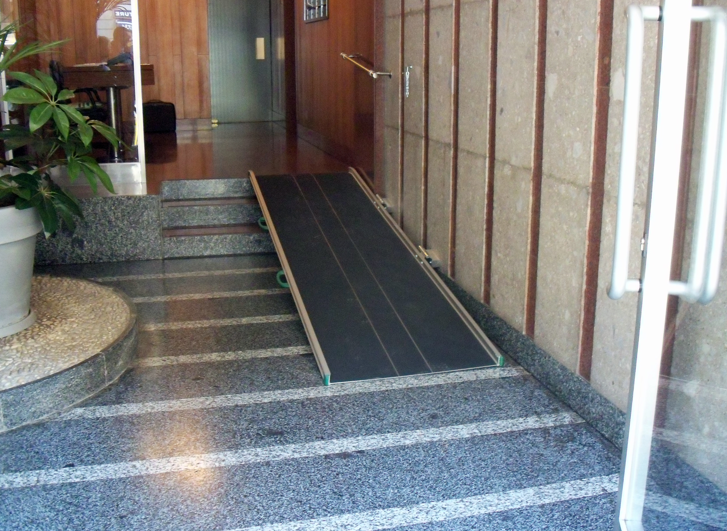 Stepless wide folding ramps are ideal for situations where the ramp is used in the same place.