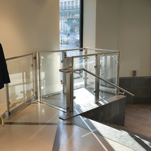 Stepless platform lift model A