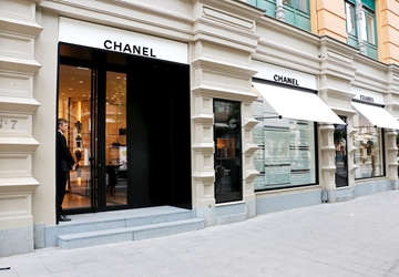 Barrierefreier Zugang zur CHANEL Boutique in Stockholm