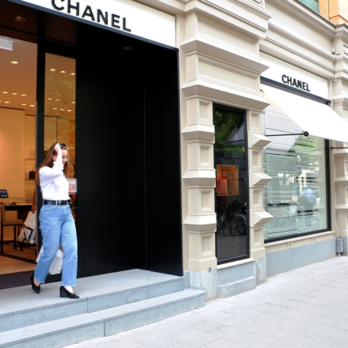 Chanel Stockholm - Stepless platform lift model E