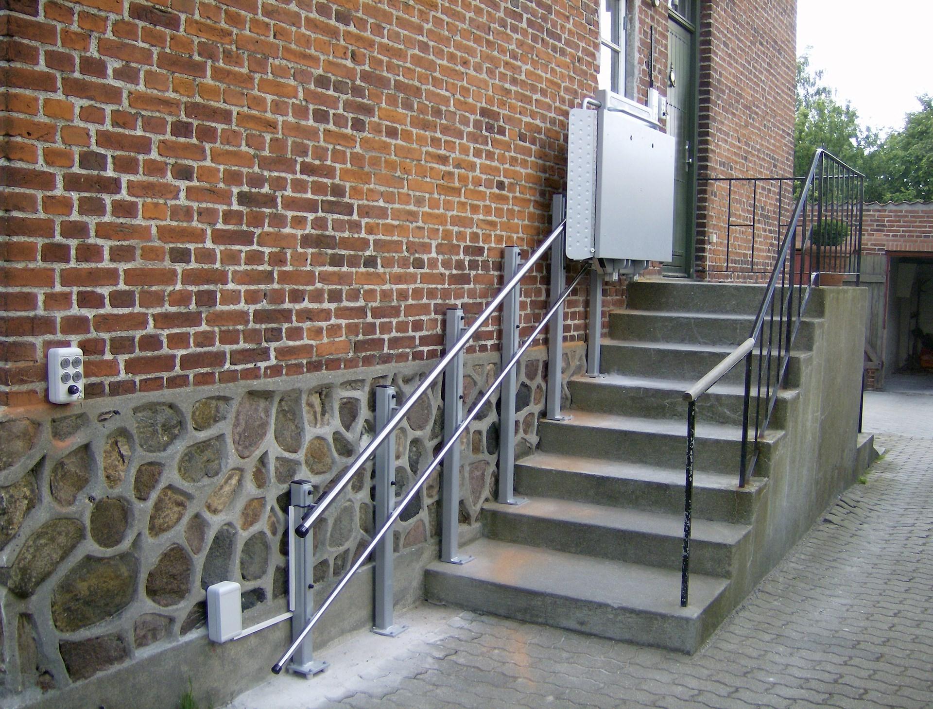 Picture of: Trappelift Til Lige Trappeforlob Stepless Denmark