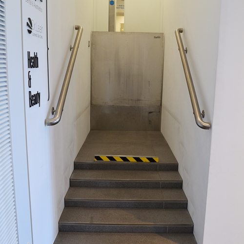 Chiswell Street - Stepless platform lift model c